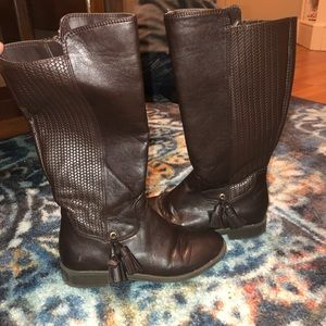 Size 13M girls boots.